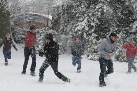 The World's Largest Snowball Fight | ElasticPanda
